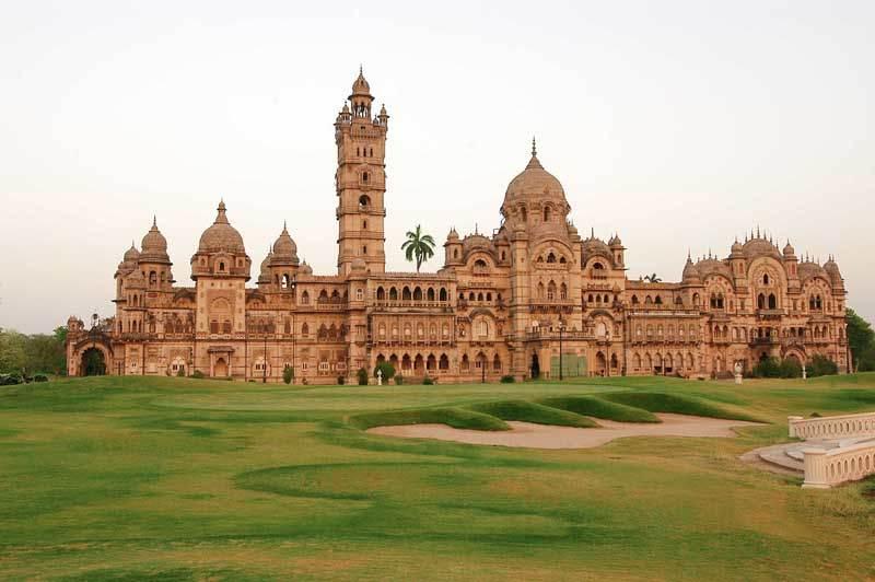 gujarat-laxmi-vilas-palace-ekstravagantn-secret-world