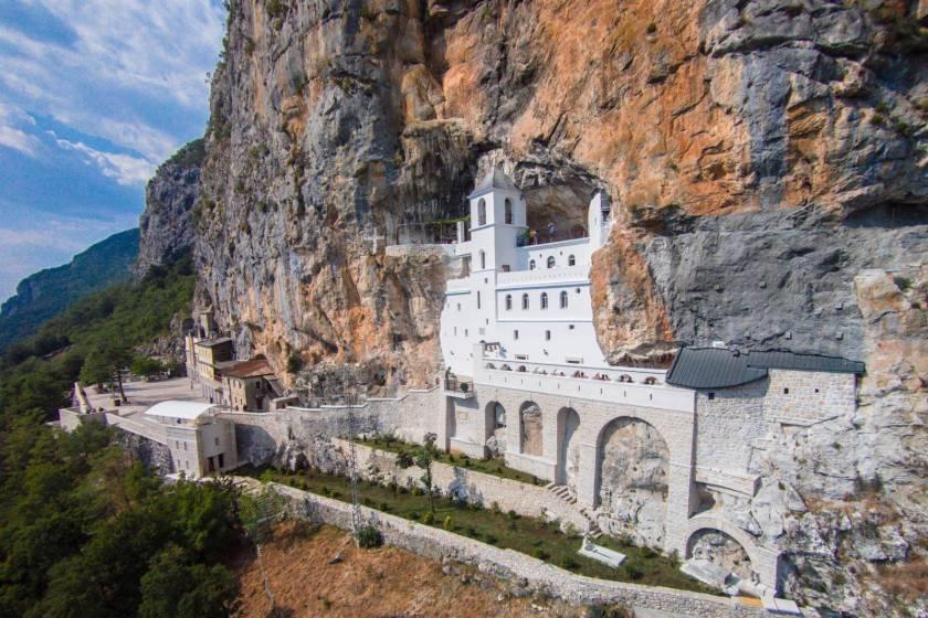 montenegro-ostrog-monastery-secret-world