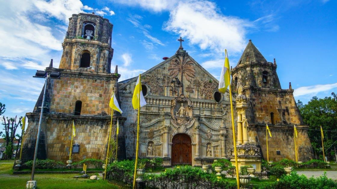 unesco-miagao-church-secret-world