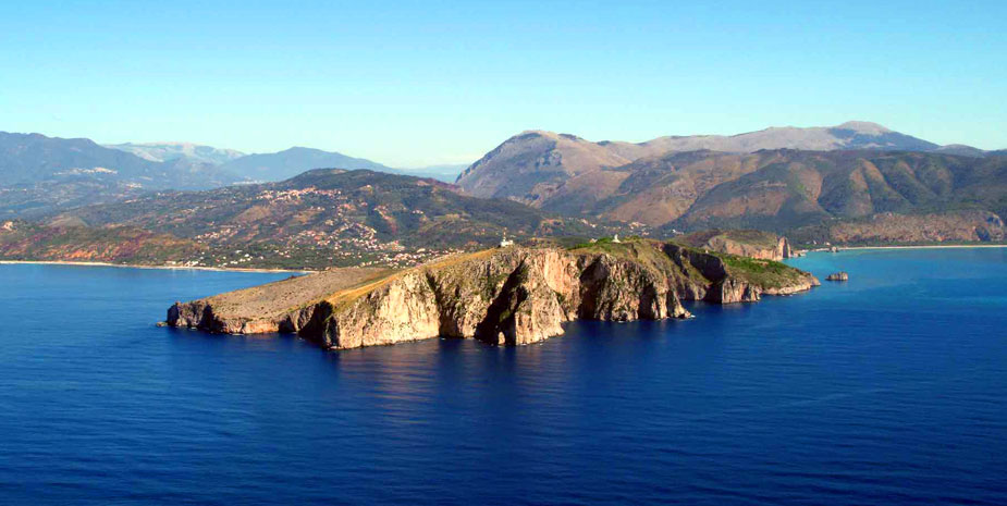 Cape Palinuro and its legends...
