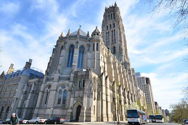 gereja-riverside-gereja-tertinggi-di-amer-secret-world