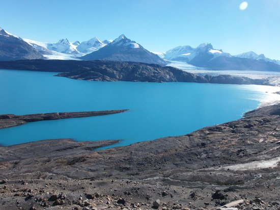 lago-guillermo-and-the-view-on-the-glacieres-secret-world