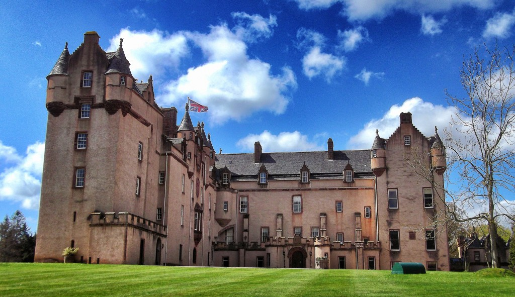 fyvie-castle-is-a-large-and-sumptuous-old-castle-with-an-secret-world
