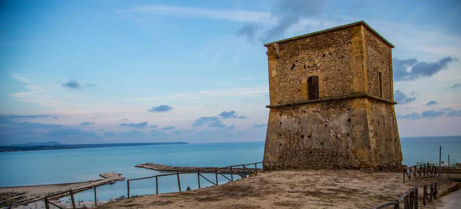 Menfi... sole, mare, storia ed enogastronomia