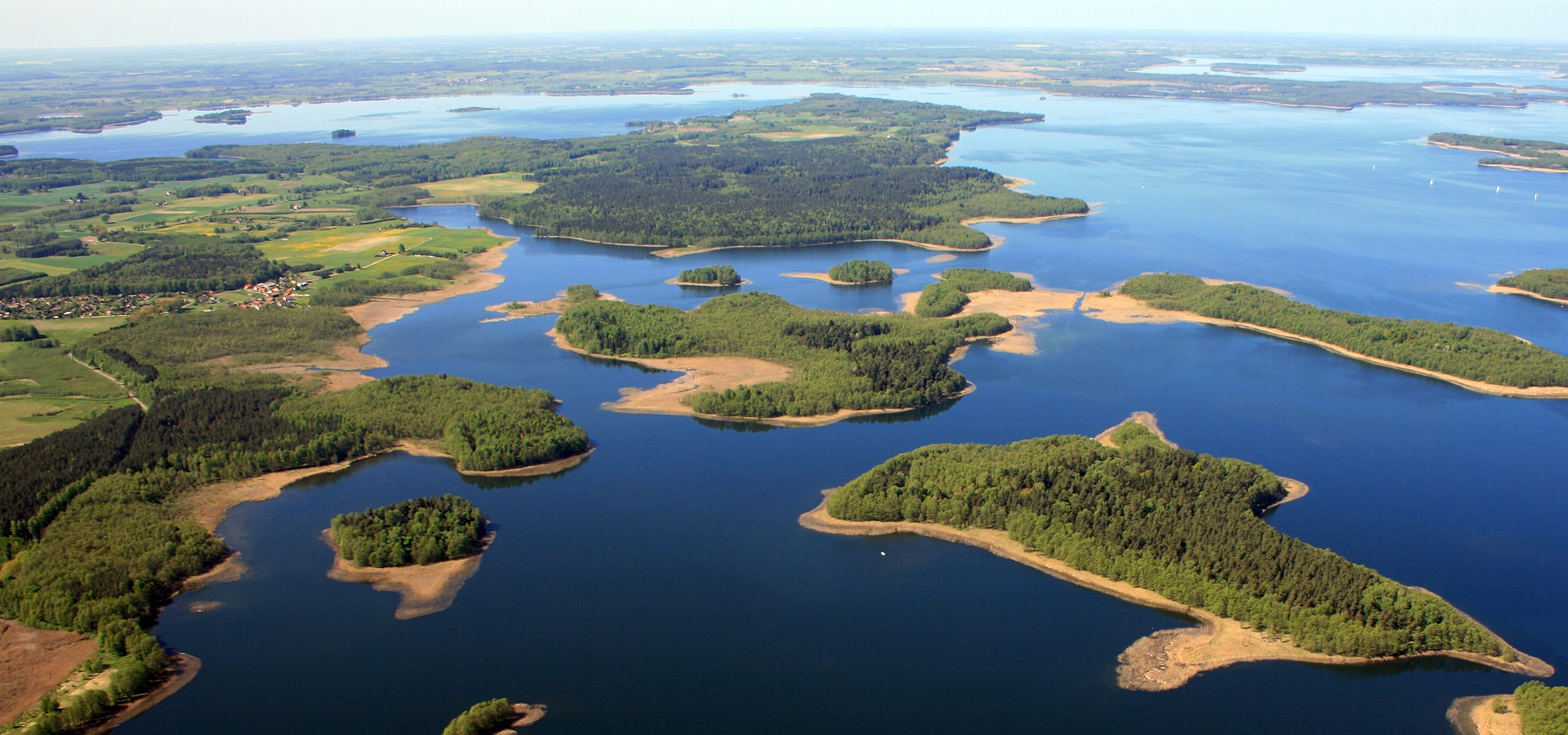 the-land-of-lakes-comprising-over-2000-in-poland-secret-world