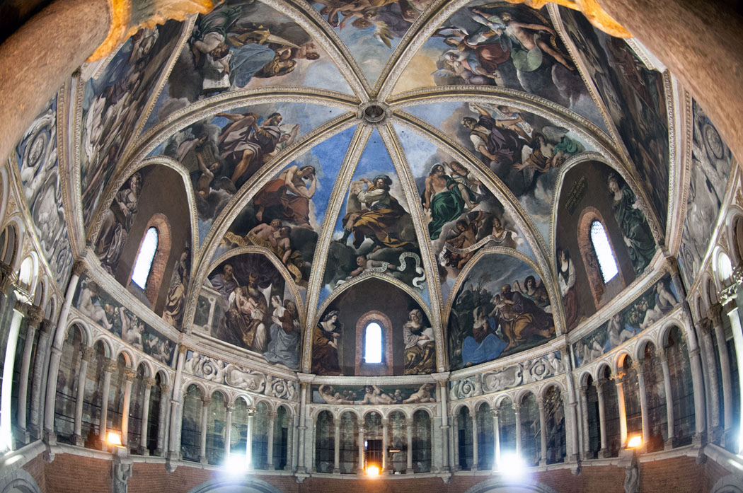 piacenza-pendakian-untuk-kubah-katedral-secret-world