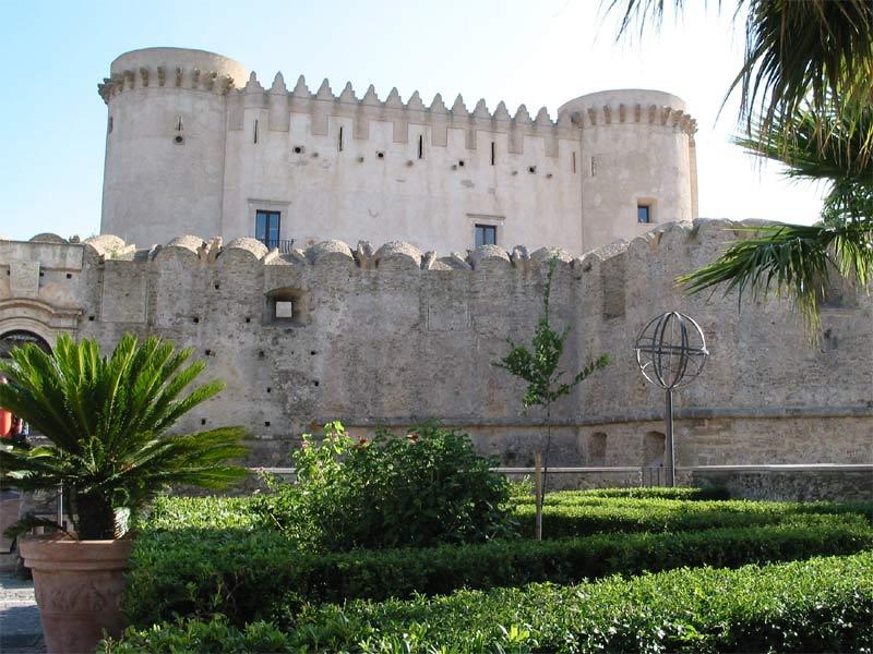 slottet-santa-severina-secret-world