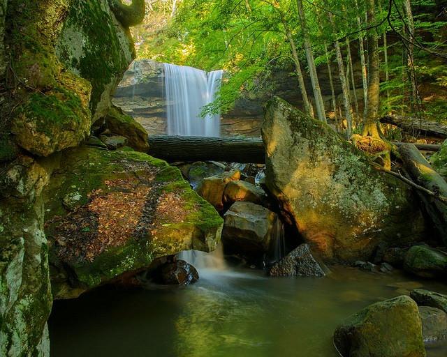 pennsylvaniann-ohiopyle-eyalet-park-secret-world