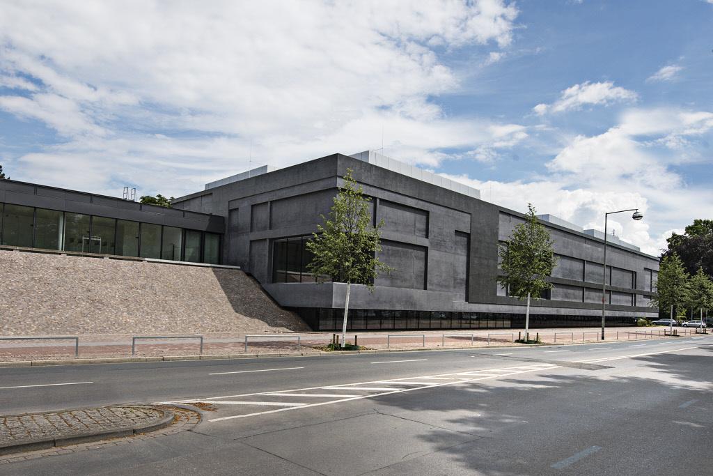 the-sprengel-museum-in-hannover-secret-world
