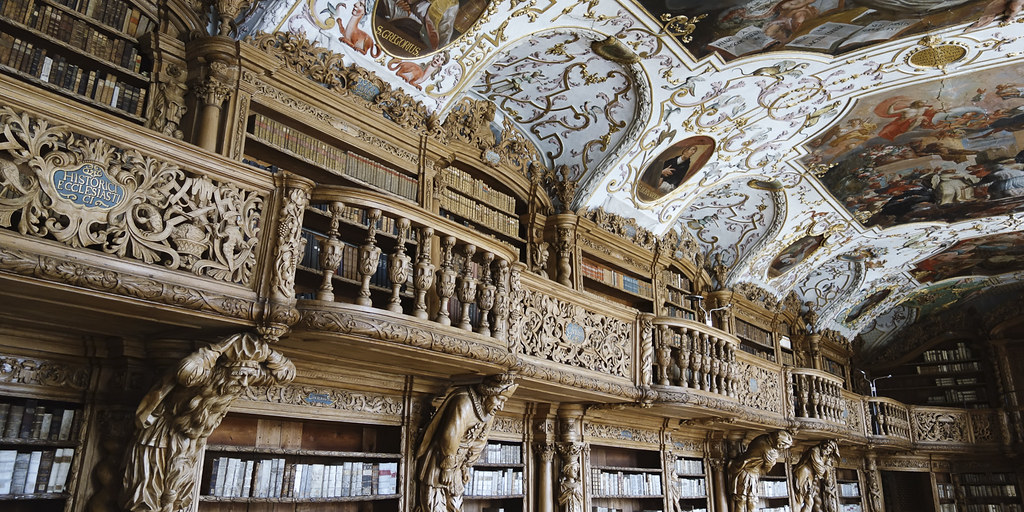 la-magnifique-bibliotheque-du-monastere-de-waldsassen-secret-world