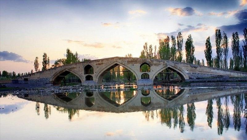 mir-baha-ol-din-bridge-secret-world