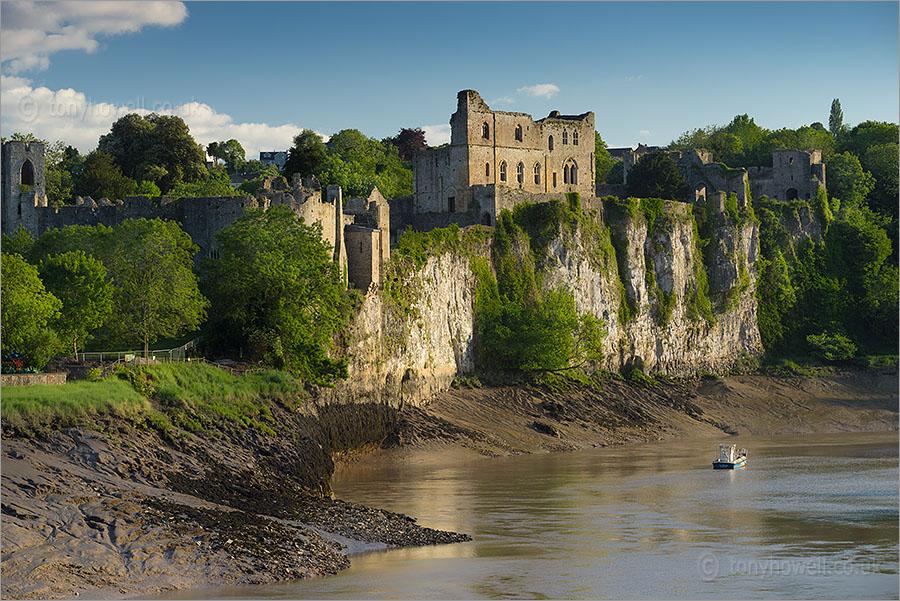 chepstow-castle-ar-wales-aldsta-fastningen-secret-world