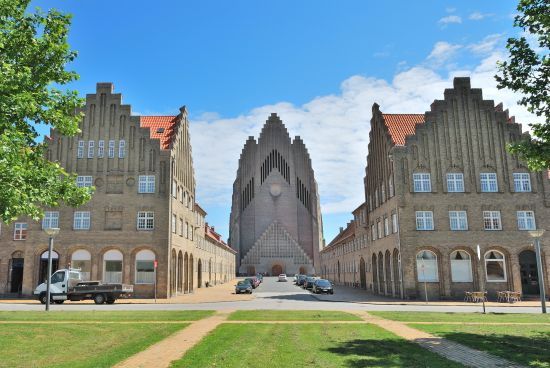 gereja-grundtvig-di-kopenhagen-secret-world