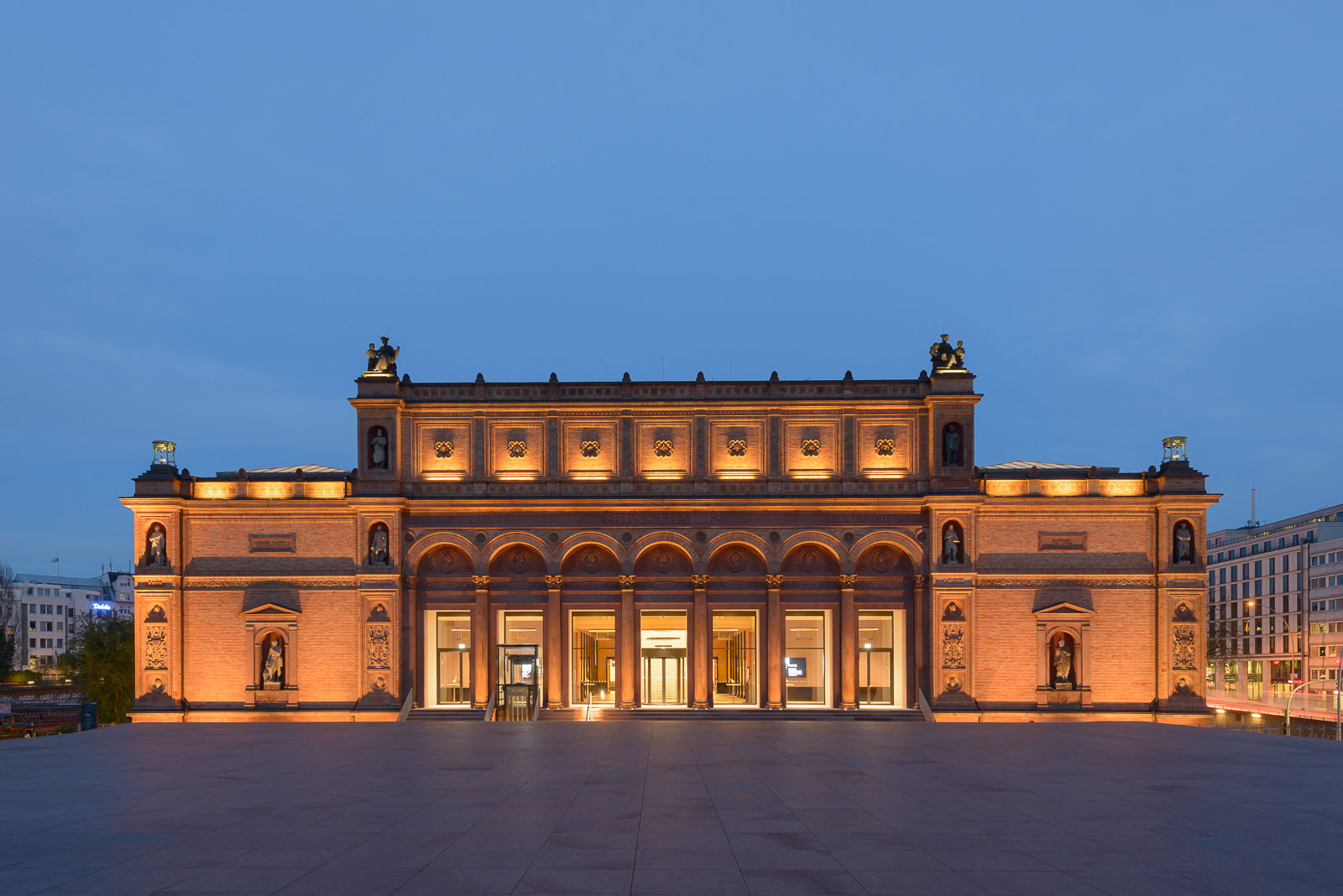 the-hamburger-kunsthalle-is-the-art-museum-of-the-free-a-secret-world