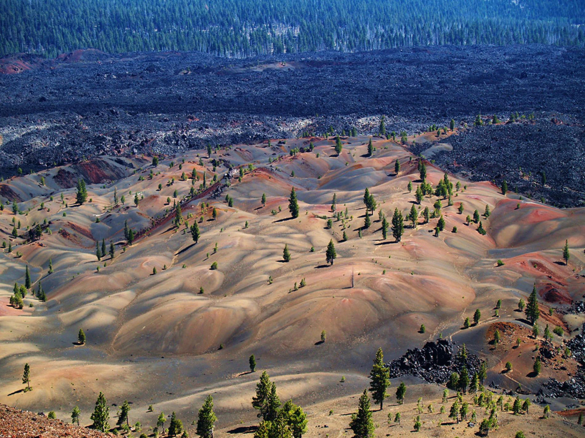 lassen-national-park-in-northern-california-is-one-of-th-secret-world