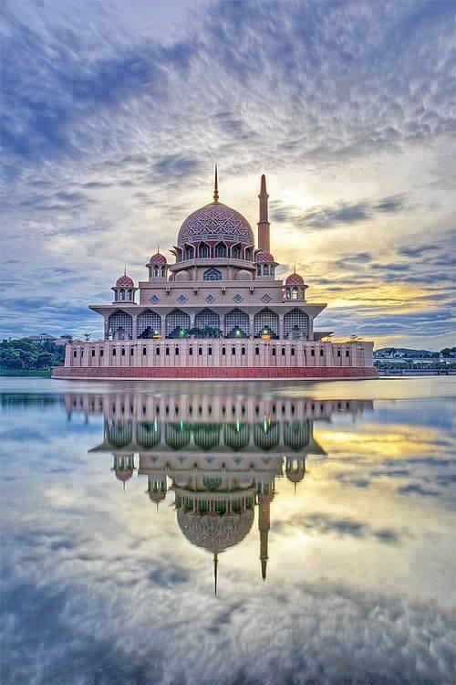 the-putra-mosque-secret-world-secret-world