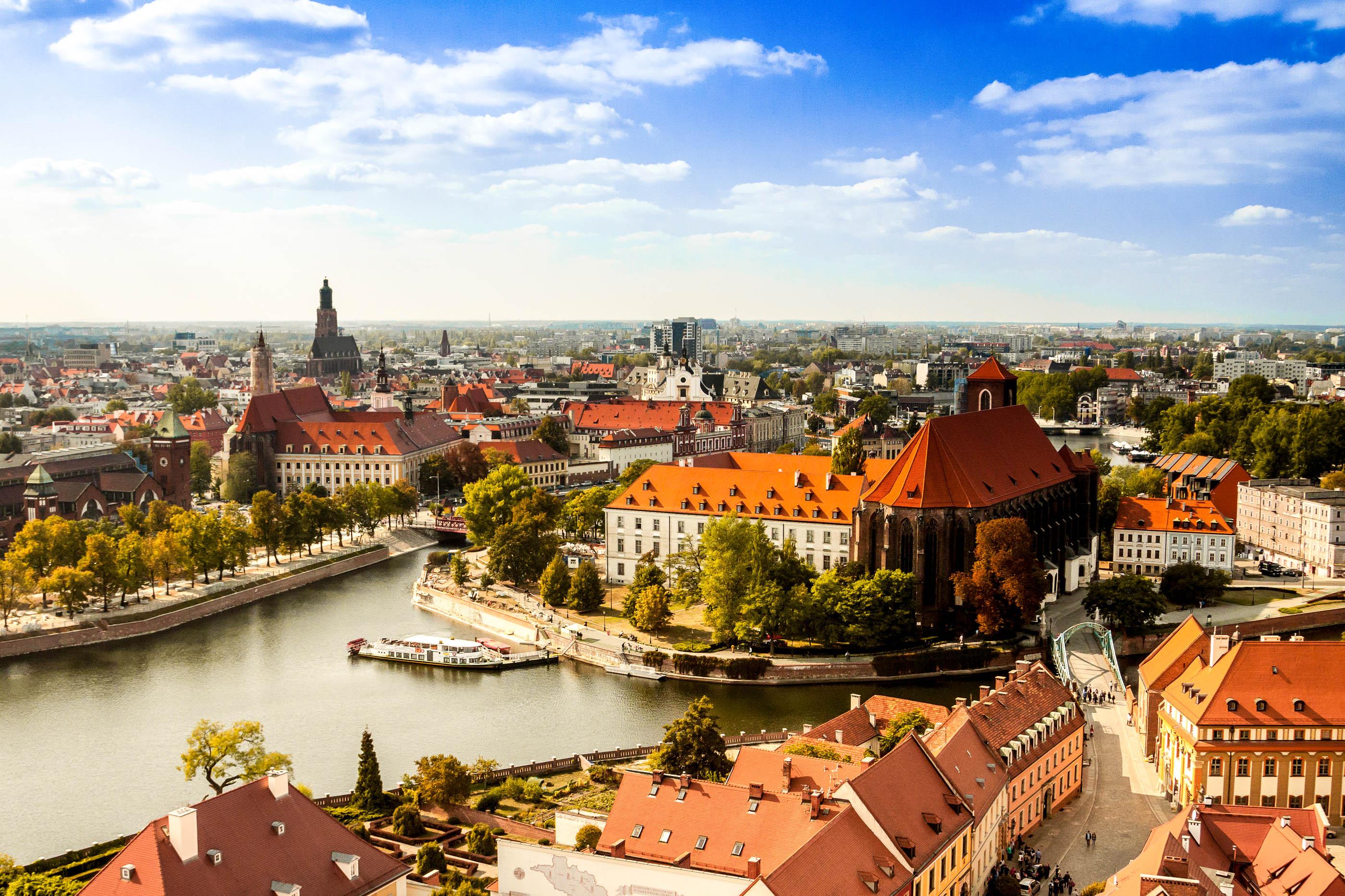 breslavia-on-uks-vanimaid-linnu-poolas-secret-world