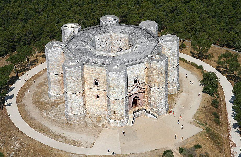 castel-del-monte-secret-world