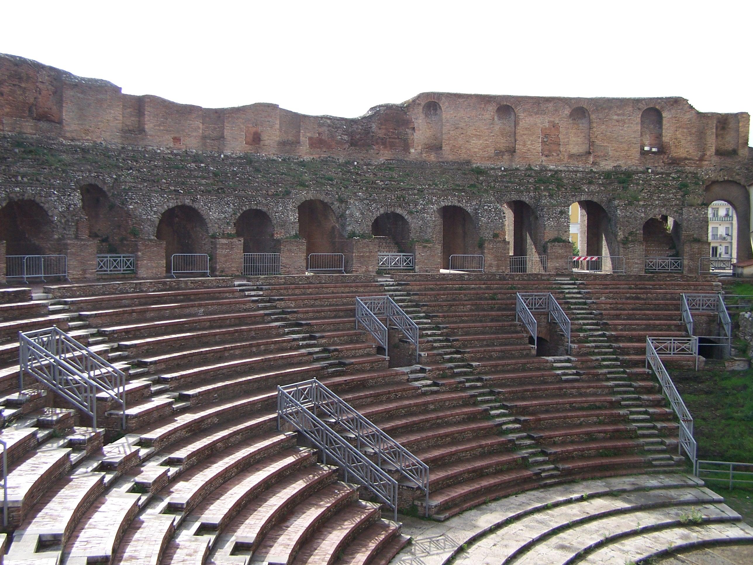 anfiteatro-romano-secret-world