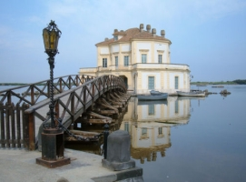 La CASINA REALE nel Parco Fusaro... - Secret World