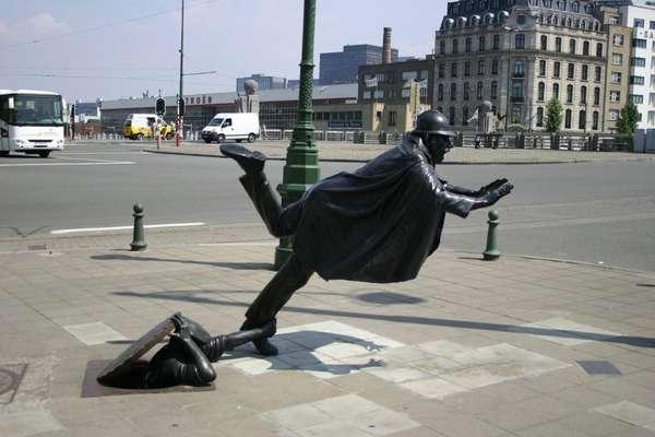 de-vaartkapoen-statue