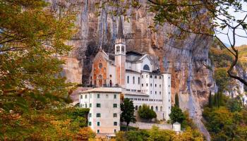 Il Santuario della Madonna della Corona... - Secret World