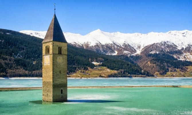 campanile-del-lago-di-resia
