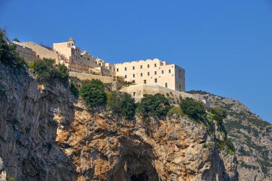 monastero-di-santarosa-da-lima-secret-world