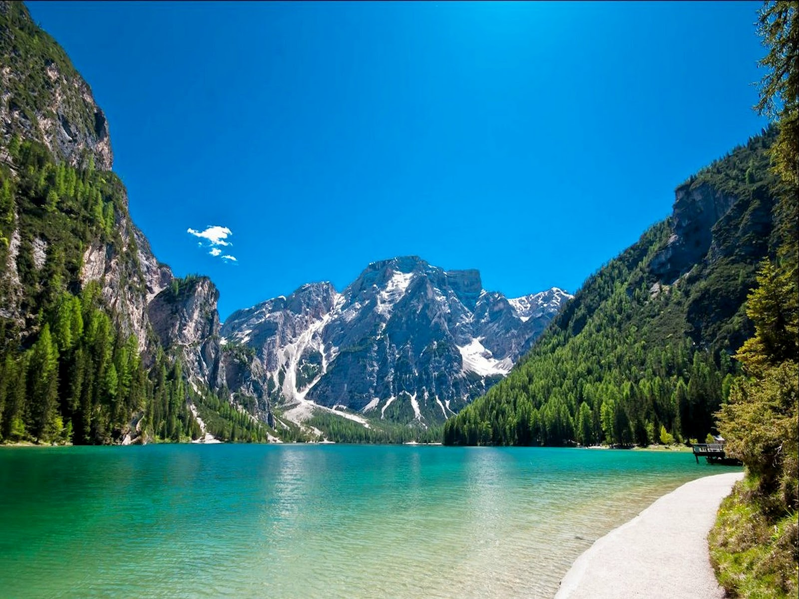 lago-di-braies-secret-world