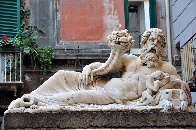 statua-del-dio-nilo-secret-world