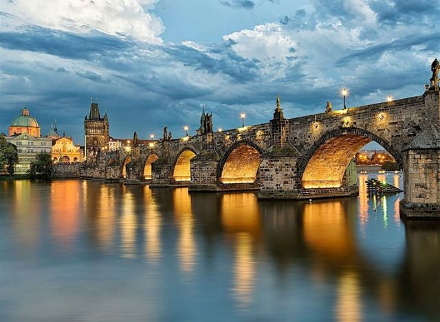 ponte-carlo-karluv-most-secret-world