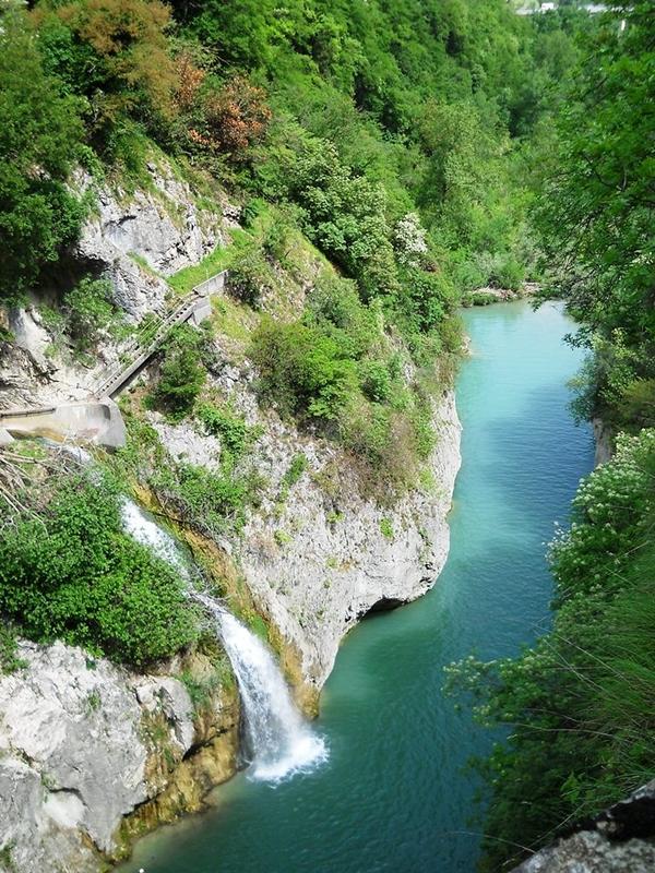riserva-naturale-statale-gola-del-furlo-secret-world