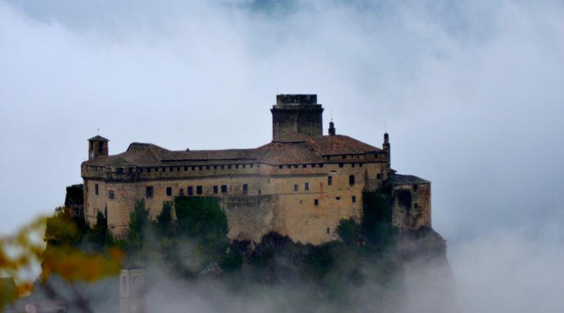 castello-di-bardi-val-ceno-secret-world