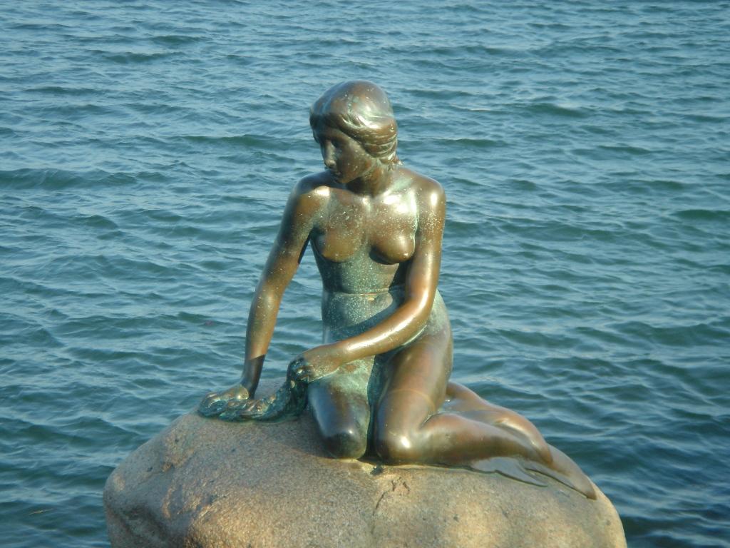 the-little-mermaid-secret-world