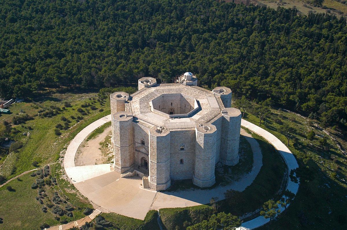 unesco-il-castello-del-monte-e-i-suoi-mis-secret-world