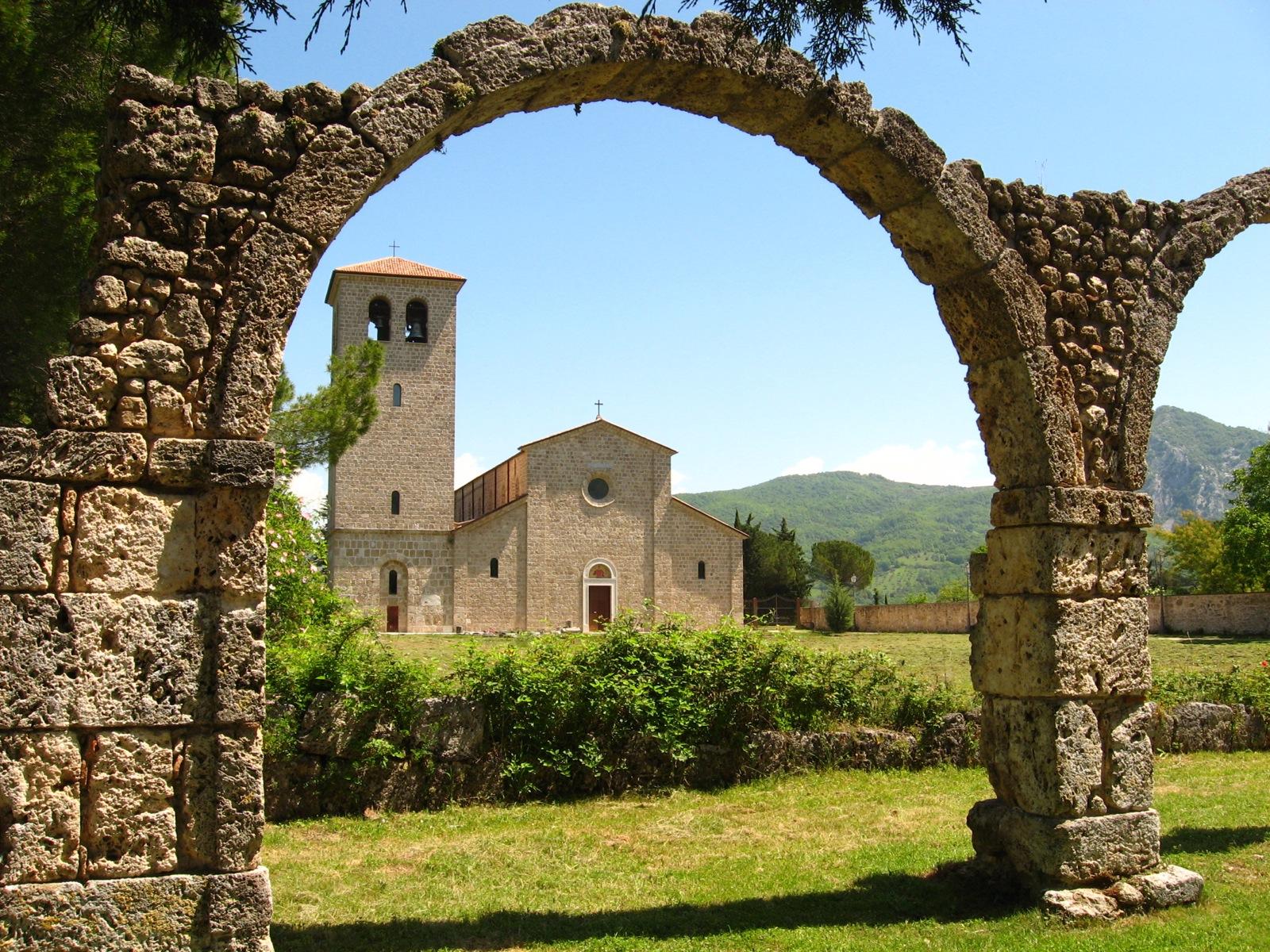 abbazia-di-san-vincenzo-al-volturno-secret-world