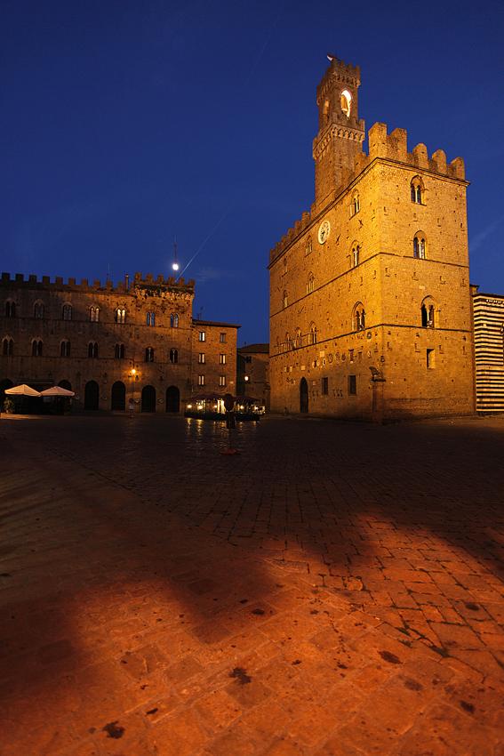 palazzo-dei-priori-secret-world