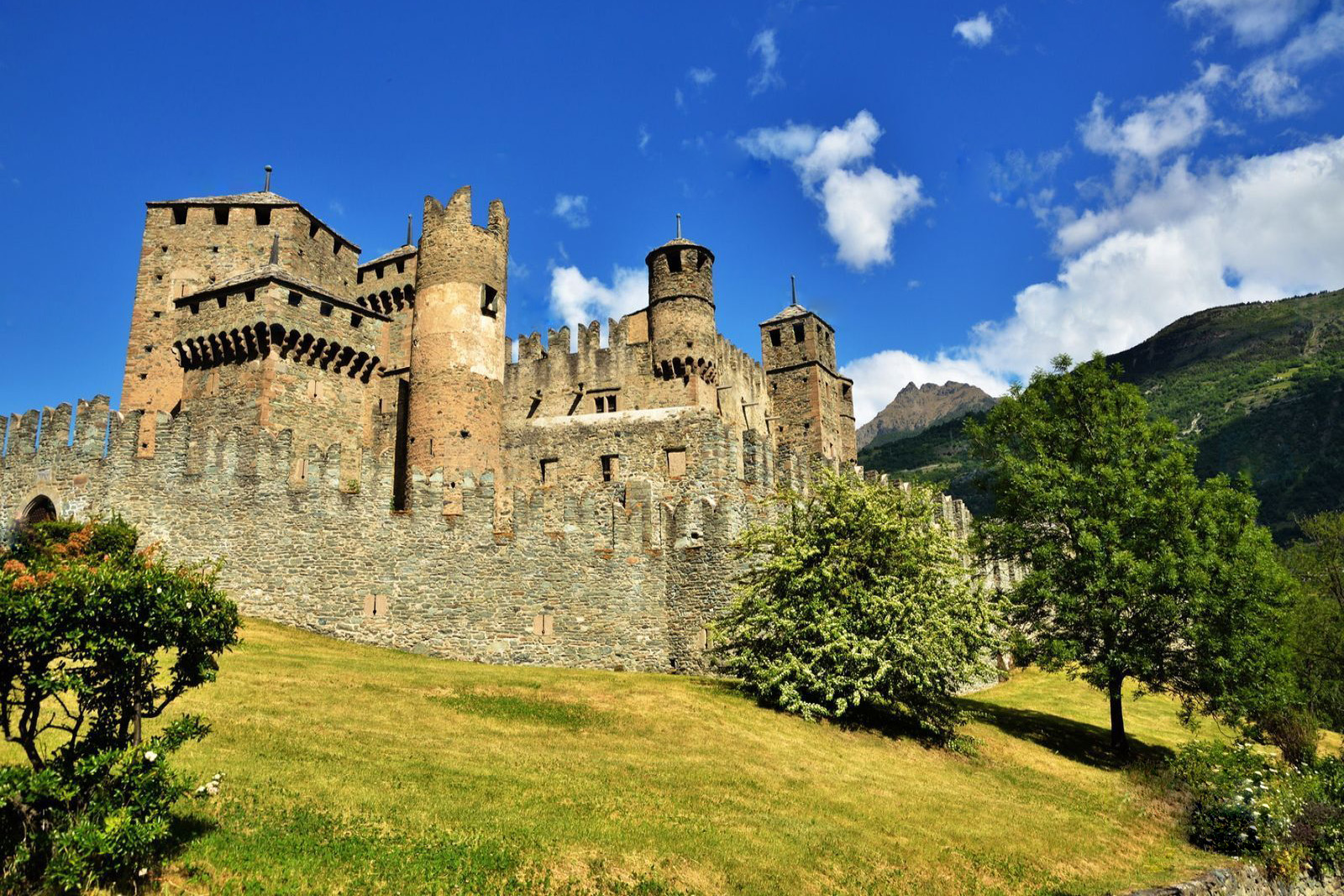 castello-di-fenis-secret-world