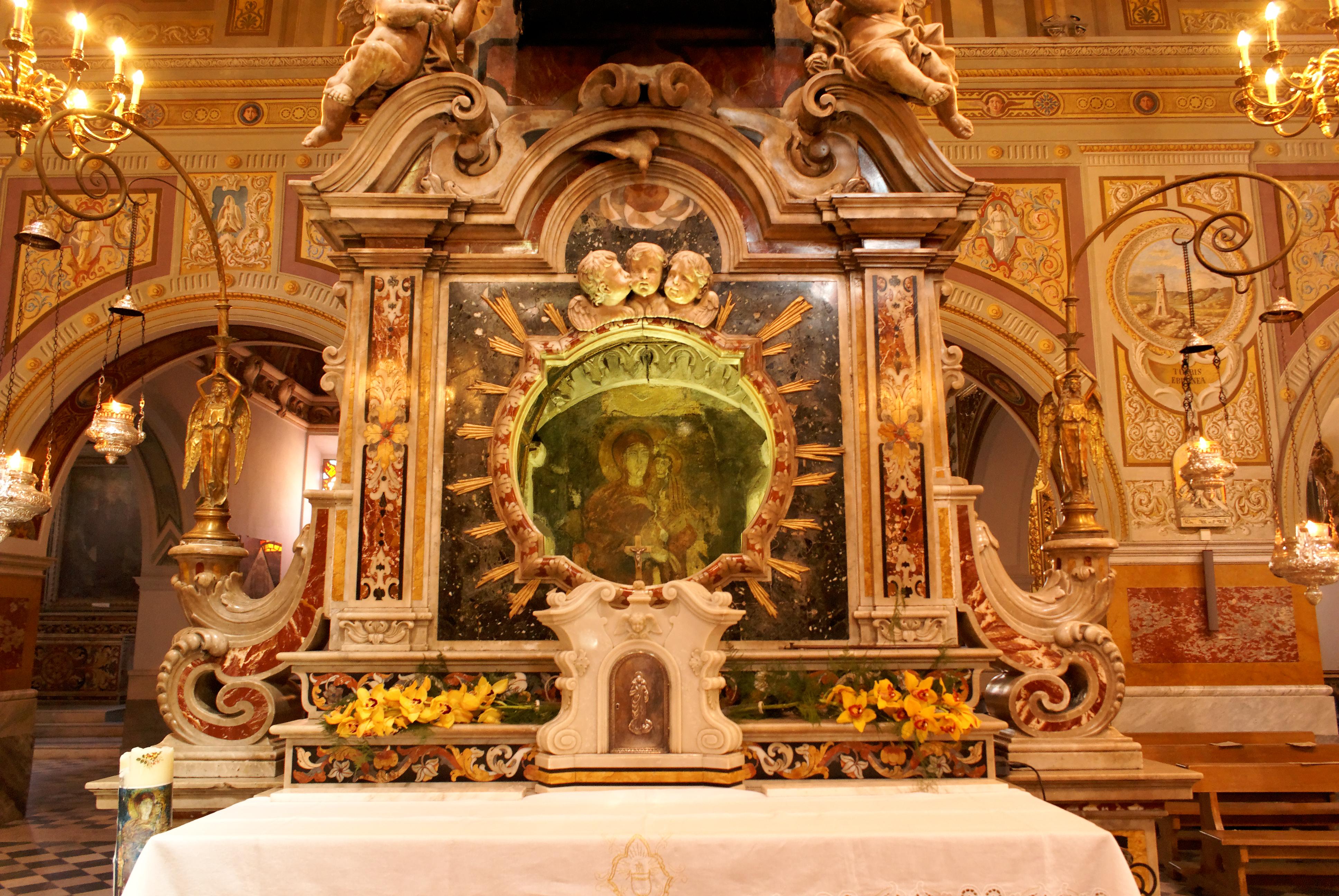 la-cattedrale-della-madonna-achiropita
