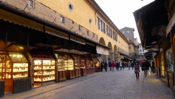 Ponte Vecchio... - Secret World