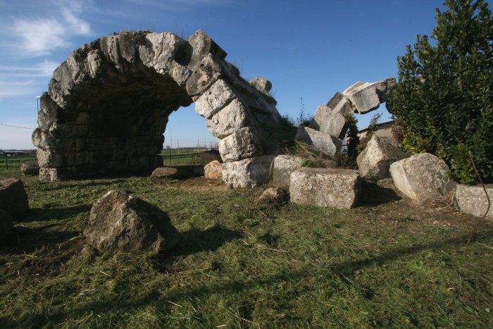 Archi di San Lidano