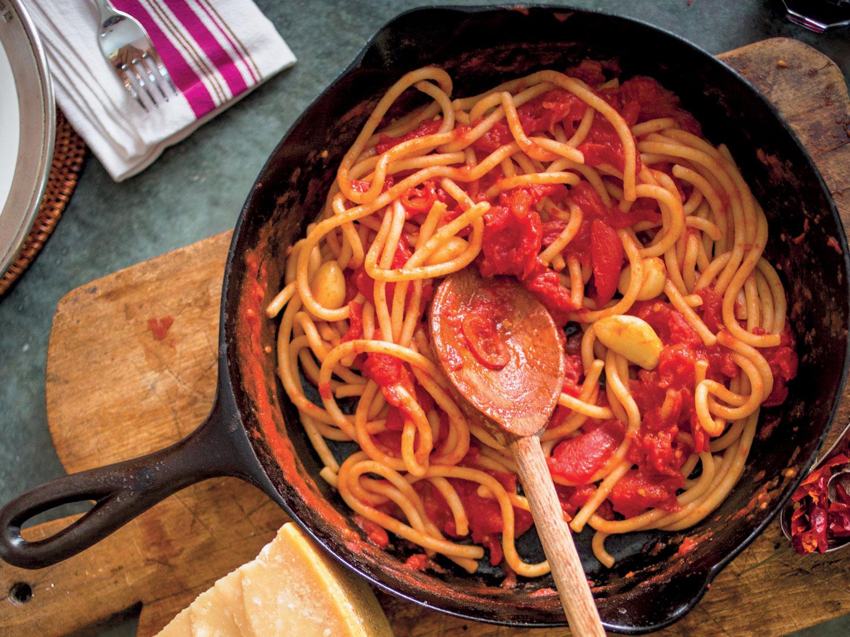 Pici all'agliona della Valdichiana