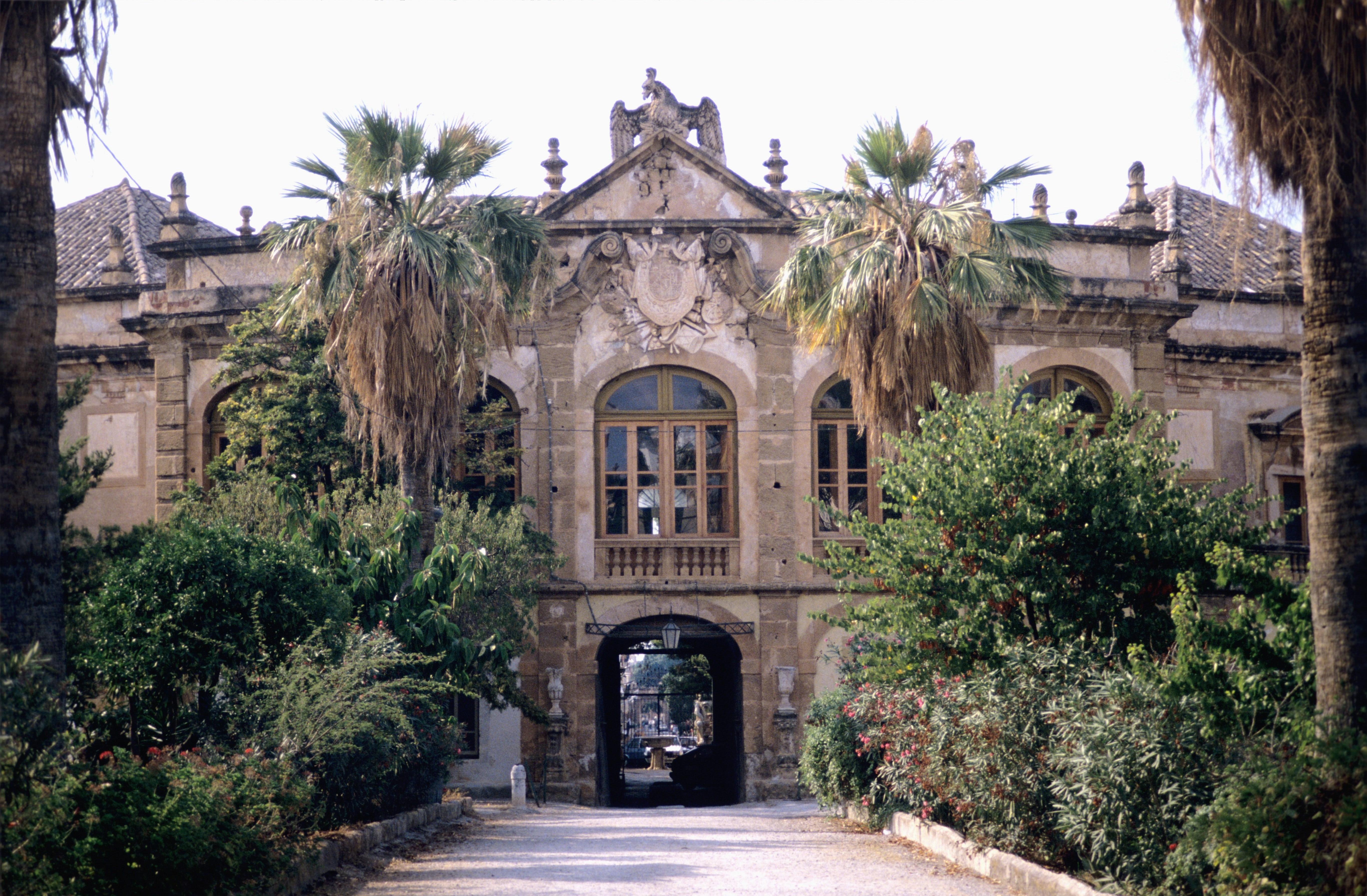 Villa Palagonia detta anche Villa dei Mostri