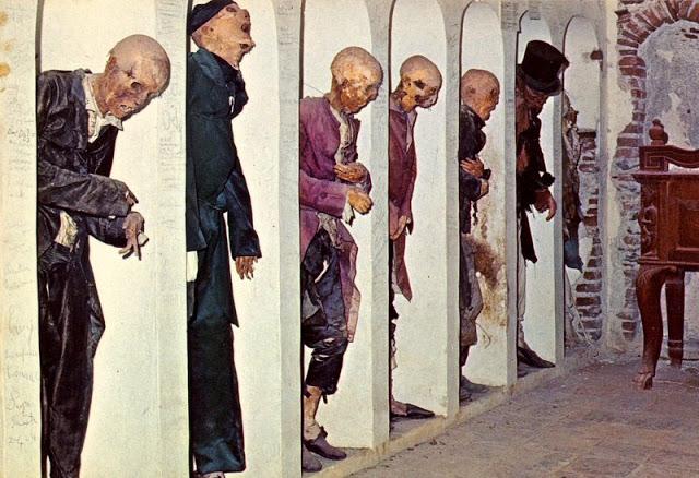 savoca-e-la-cripta-delle-mummuie-secret-world