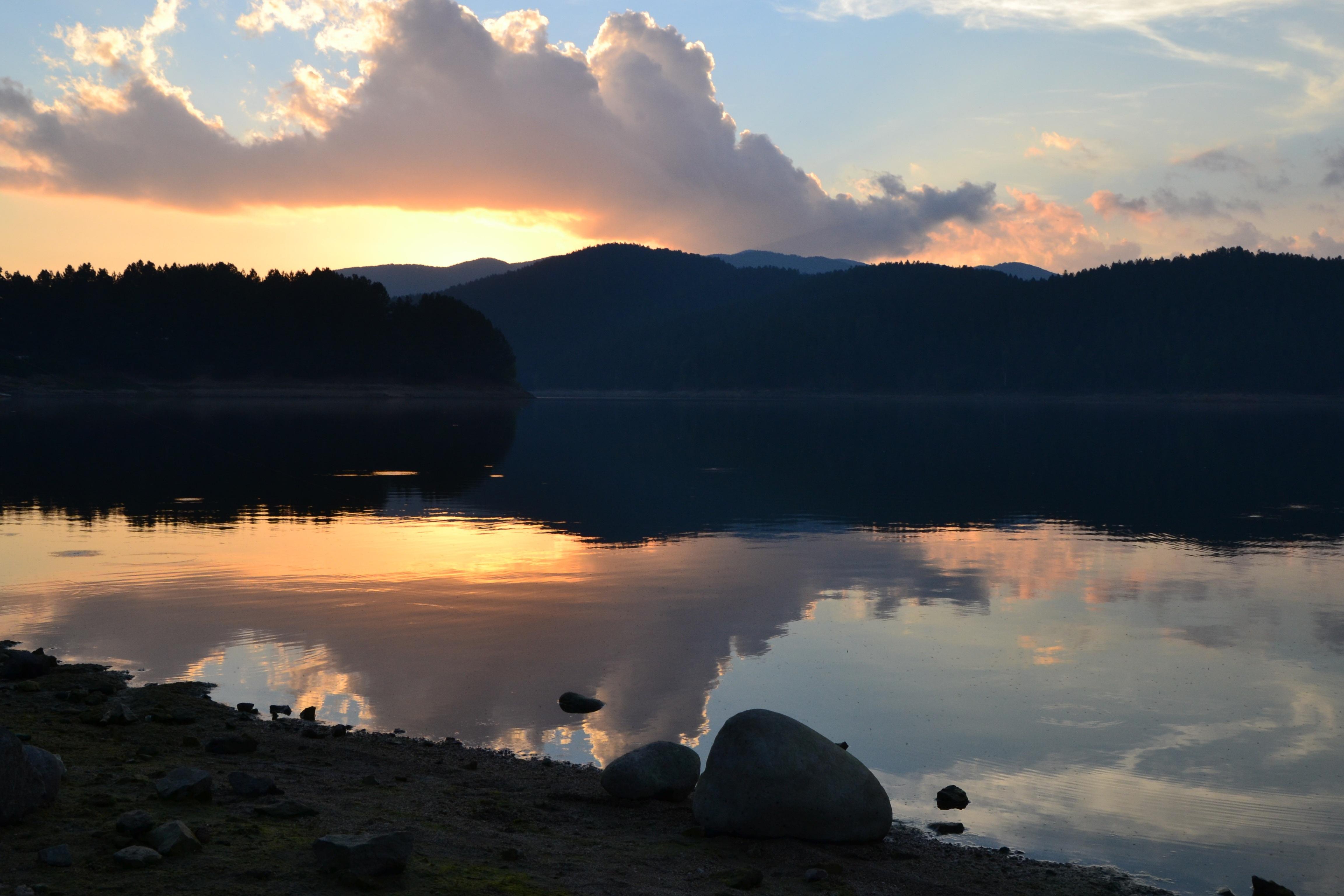 lago-ampollino-secret-world