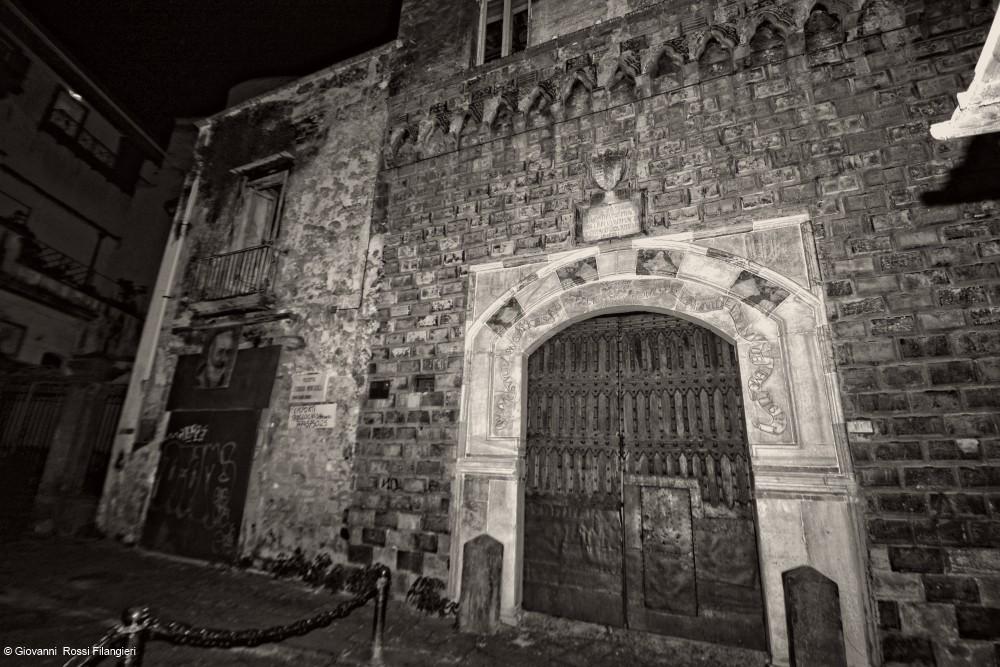 Palazzo Penne .. il Palazzo del Diavolo