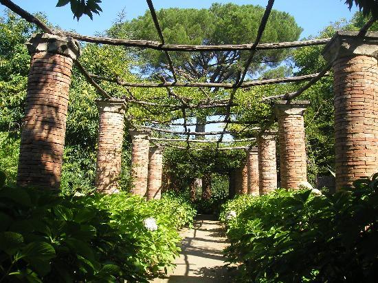 villa-cimbrone-secret-world