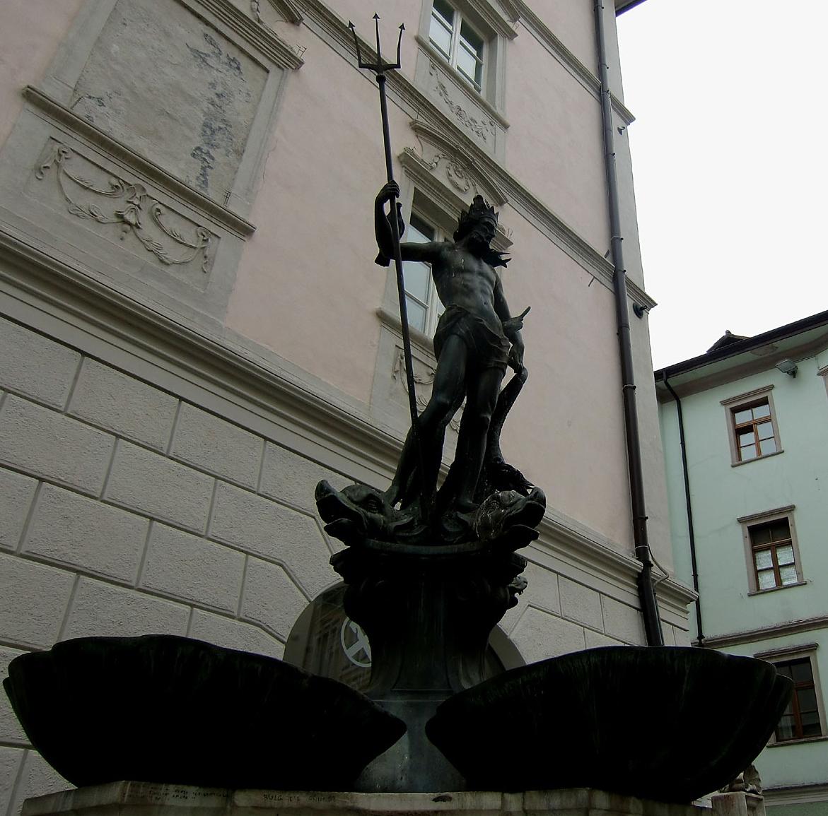fontana-di-nettuno-secret-world