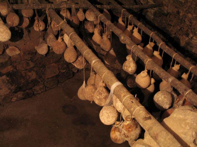 Caciocavallo irpino di grotta