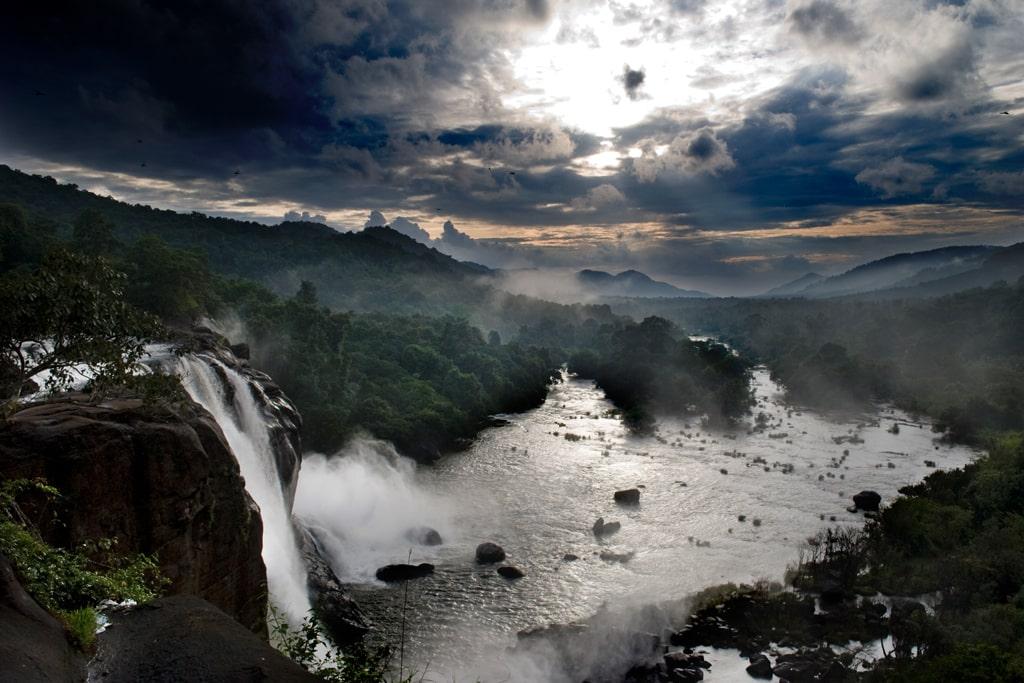 athirapally-falls-the-largest-waterfall-secret-world